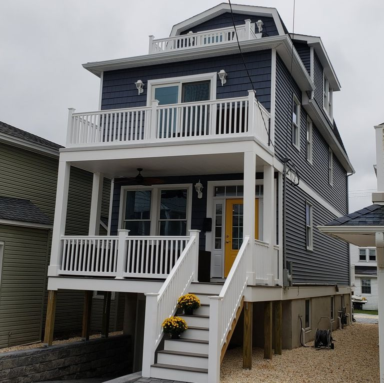New Construction 5BR, Ocean Views, Five Houses From The