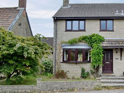 Photo for 3 bedroom property in Beaminster. Pet friendly.