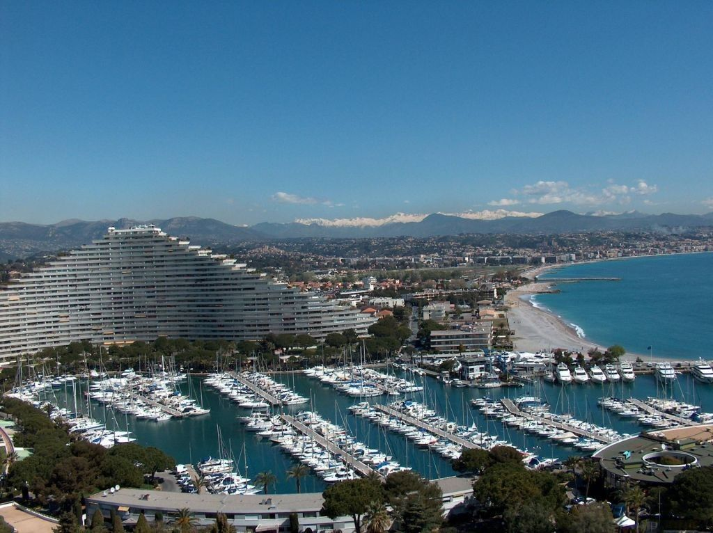 Studio 4 pers marina baie des anges alpes maritimes for Piscine marina baie des anges