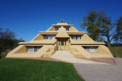 The 2 bedroom suite is in the upper 2 levels of My Pyramid House.  2,000 sq ft.