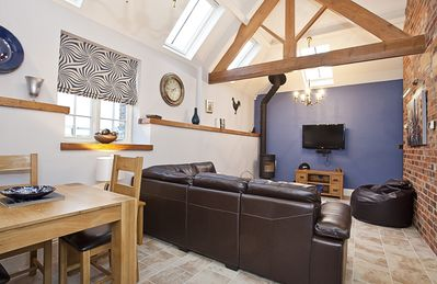 Photo for City Apartments - The Applegate 2 bed 2 bathrrom cottage sleeps 4