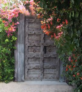 Gorgeous Front Gate Welcomes you.