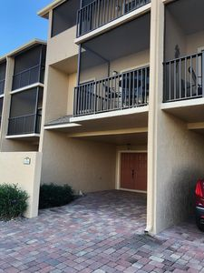 Photo for Stylish Marco Island Townhouse walking distance to beach.