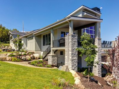 Photo for Floor to Ceiling Mountain Views - Must See New Lux Home. Minutes to Downtown + Hot Tub, Game Room ++