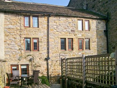Photo for BRIDGE COTTAGE, family friendly, with open fire in Eyam, Ref 23944