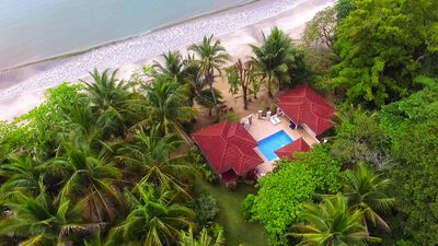 Villa Paraiso- YOUR OWN PRIVATE POOL! ON BEACH! AC 4 heat relief! Bikes/ Kayaks