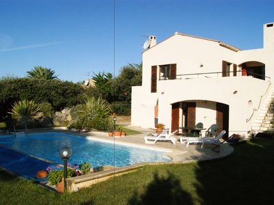 Photo for Large villa with private pool, garden, 2000m² premises and 400m to the seaside