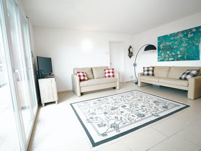 Photo for Beautiful apartment for 6 guests with WIFI, TV, balcony and parking
