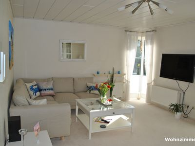 Photo for Charming apartment, walking distance to the beach, children welcome