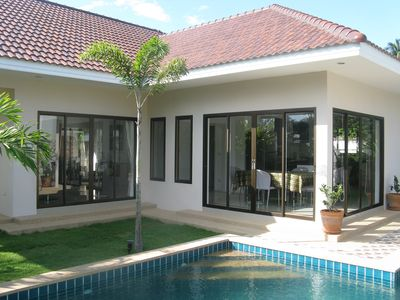 Modern family friendly Pool Villa, within 12km of Pattaya's attractions.