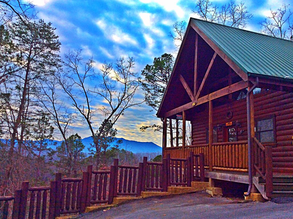 cabins mountain lookout stone of vacation rental cabin chattanooga ledge rising fawn find rentals