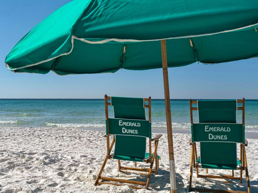 Beach Front Condo with gorgeous Gulf Views!  Sleeps 6 large image 23
