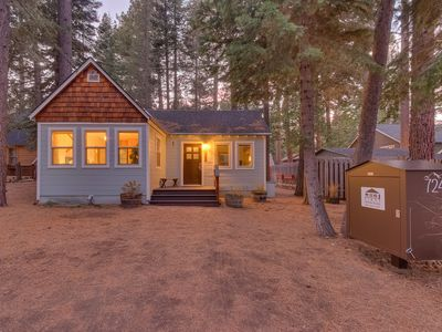 Photo for Easy Living: 1  BR, 1  BA Cabin / Bungalow in Tahoma, Sleeps 4