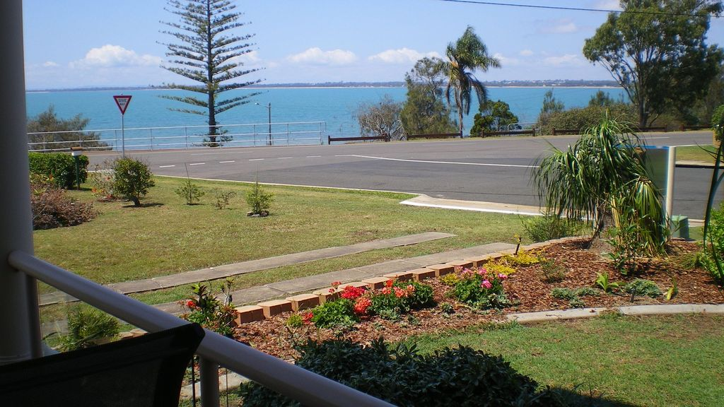 Beautiful beachfront unit - Entire ground floor