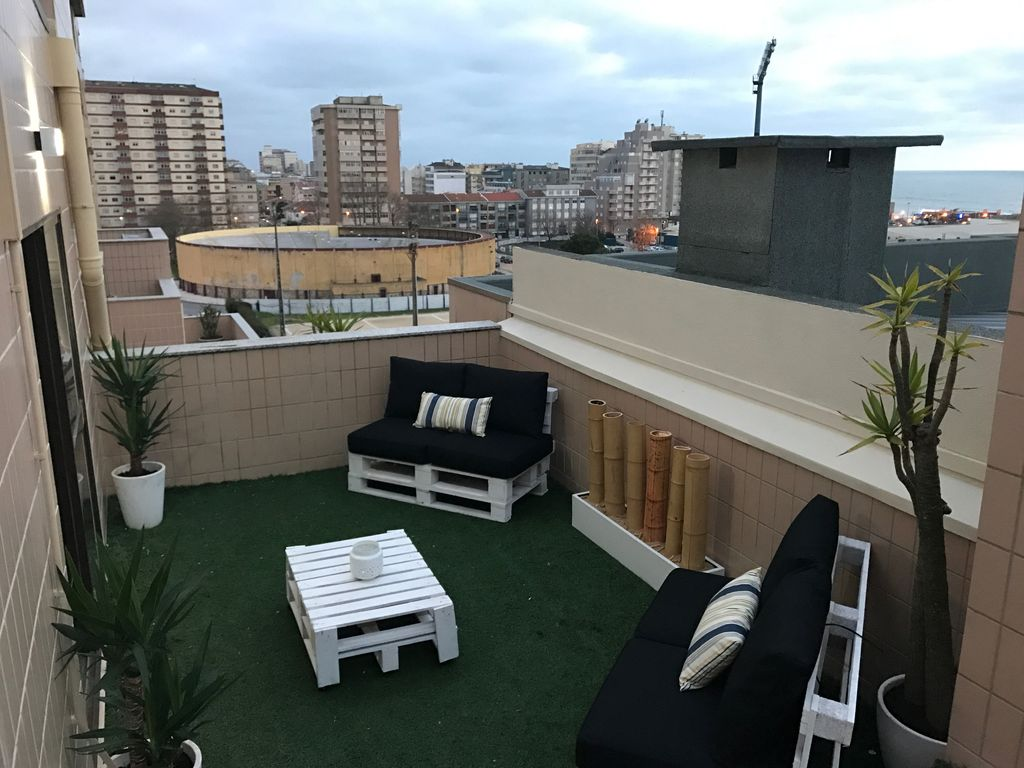New 3 bedroom apartment views 360 terrace lounge povoa for Terrace lounge