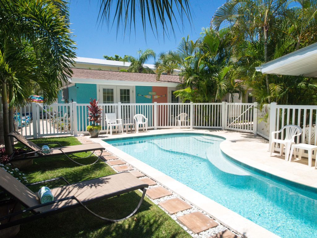 Tranquil Anna Maria Island Resort, Unit 1... Only 4 Units