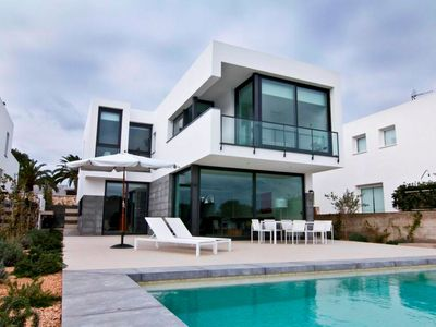 Photo for Extraordinary villa of 250 m2