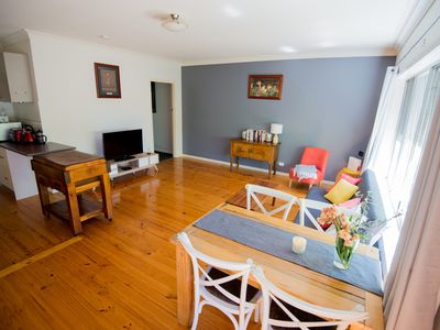 Photo for Flora Hill Creek Views | Short walk to CBD | Free wifi & Netflix | Pet friendly