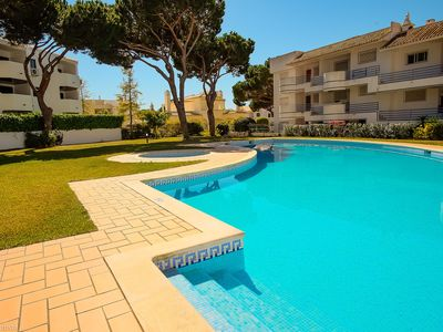 Photo for Apartment with 2 bedrooms and pool in Vilamoura, near the beach