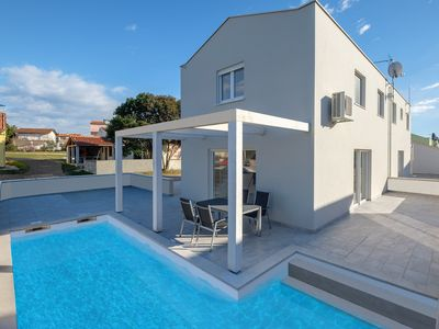 Photo for Holiday house Peroj for 4 - 6 persons with 2 bedrooms - Detached holiday house