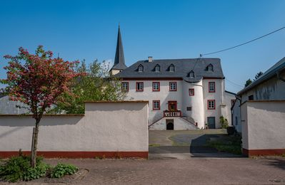 Photo for Living in the old castle Hersdorf