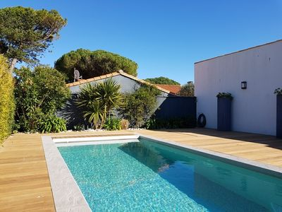 Photo for Beautiful villa wtih swimming pool heated in le Bois-Plage for 8 people