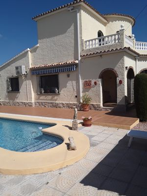 Photo for Top of Villa with pool 400m from the sea independent entrance