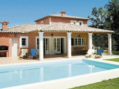 Photo for Nice villa with dishwasher and whirlpool, golfcourse at 1 km