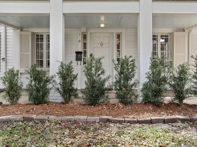 Photo for Under the Oaks of Audubon-Your Tranquil Oasis-30+ Rental only.License pending