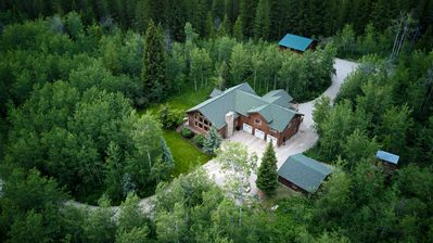 Secluded Mountain Home, steps from National Forest and Leigh Creek