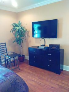 Photo for Lovely 2 Bedroom Uptown Cottage, you can enjoy a picnic outside in