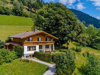 Photo for Large detached chalet steps from Zell am See and Kaprun