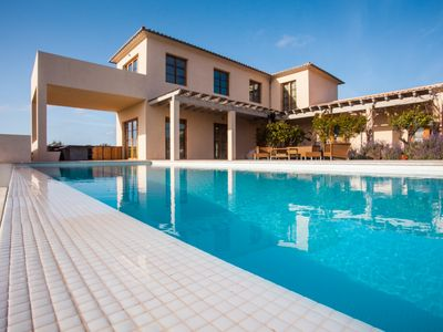 Photo for Villa Salamandra. Exclusive Villa with pool for 10 people in Santanyi