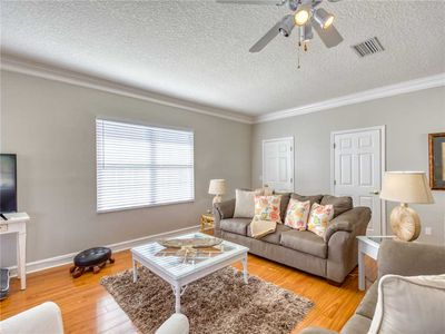 Good Living - You will love the tropical decor and spacious environment! Settle into the comfortable sectional sofa and plan out your next day's adventure!