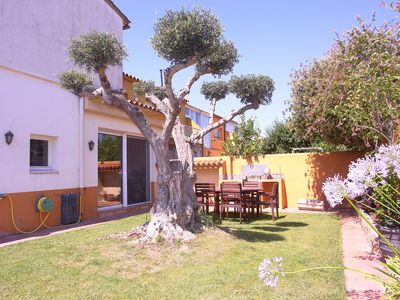 Photo for Boutique holiday home in Sant Pere Pescador with garden and garage