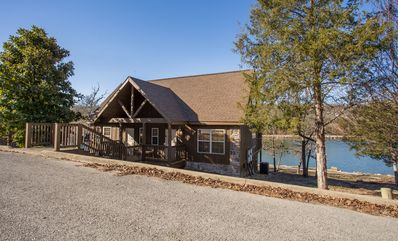 Photo for Livin Lakeside Lodge-Pet Friendly 1 bedroom Lodge at StoneBridge Resort