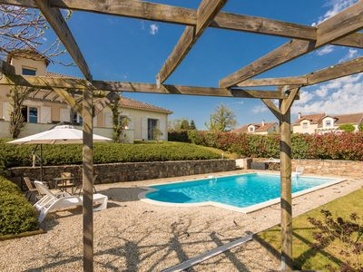 Photo for Luxurious villa in Rouzede with private pool