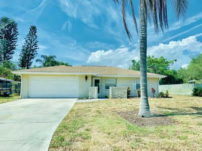 Photo for Perfect 3/2 home! West of the trail, 10 min to downtown SRQ.