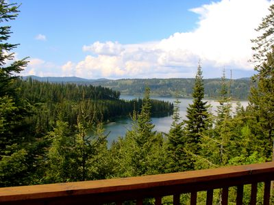 Lake Coeur D'Alene - Sleeps 14 - Secluded with Amazing Views
