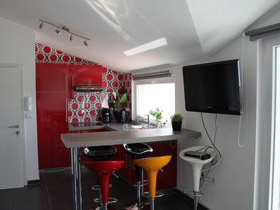 Photo for Apartment for 4 + 1 persons, 150 m from the beach, with sea view - No. 4
