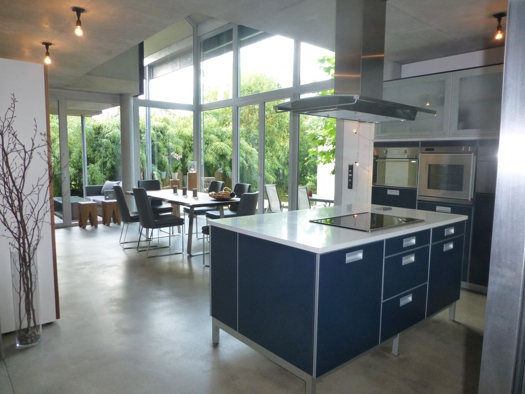 looking for something special attractive quiet and light filled house - Offenes Wohnzimmer Freiburg