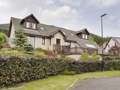 Photo for 4 bedroom accommodation in Lochearnhead