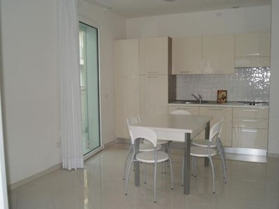 Photo for Residence equipped with all comforts, 80 meters from the sea