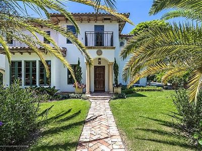 Photo for Gorgeuos home and guest house, steps from the intracoastal, in historic El Cid.
