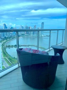 Photo for Exclusive, beautiful apartment in from of Panama Bay in Balboa Avenue.