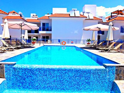 Photo for Luxury Townhouse, Large Swimming Pool, Private Roof Garden, Wifi Internet