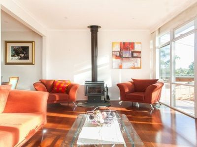 Photo for Eltham Retreat: Warm, Bright & Sunny Home