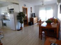 Lovely location within walking distance to many bars/restaurants and beaches and supermarkets