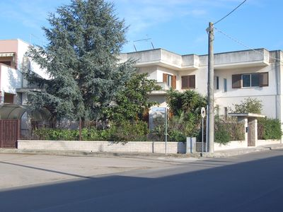 Photo for Large villa with garden 10 km from the beach