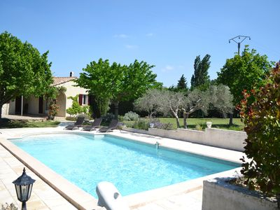 Photo for Villa in the heart of the Alpilles with pool and large garden for 10 people.